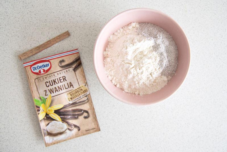 mąka, cukier wanilinowy