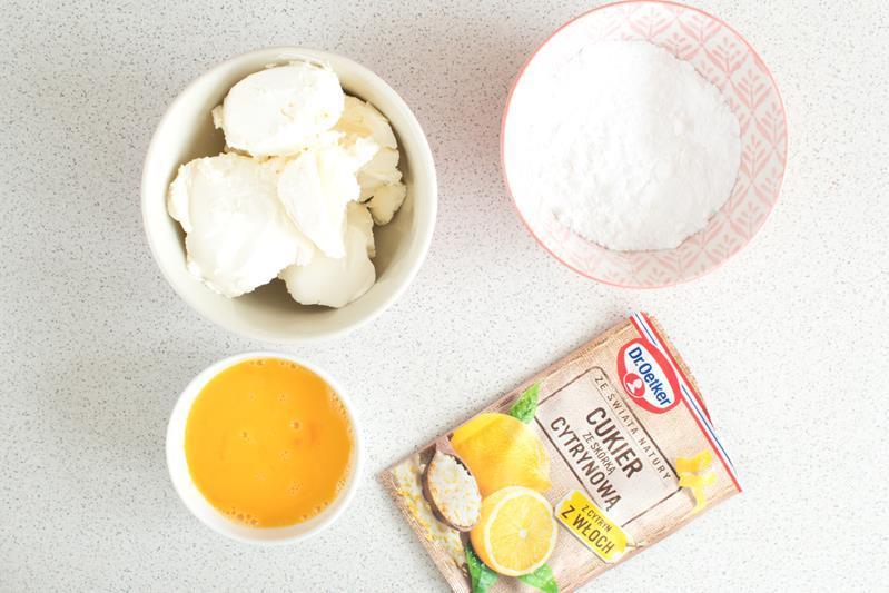 serek, cukier puder, roztrzepane jajka, cukier ze skórką cytrynową