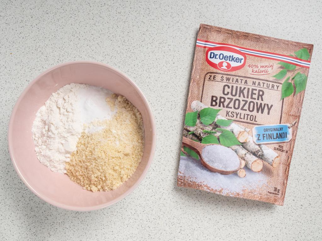 migdały, mąka ryżowa i cukier brzozowy