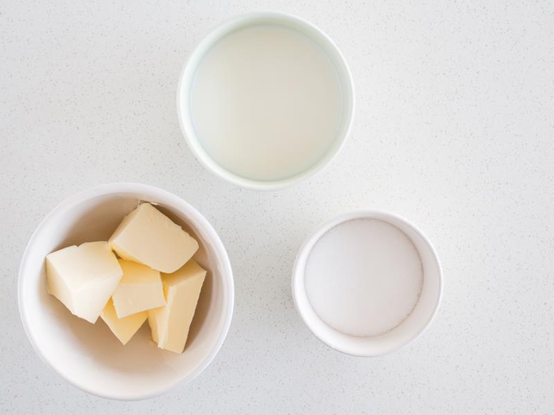 masło, mleko, cukier