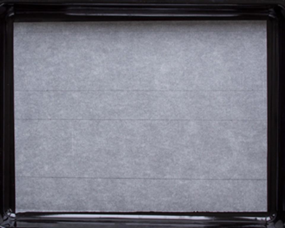 blacha z wyposażenia piekarnika wyłożona papierem do pieczenia