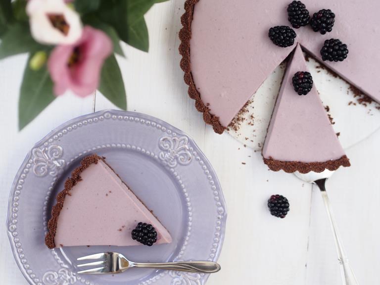 Tarta jeżynowo-czekoladowa z mleczną nutą