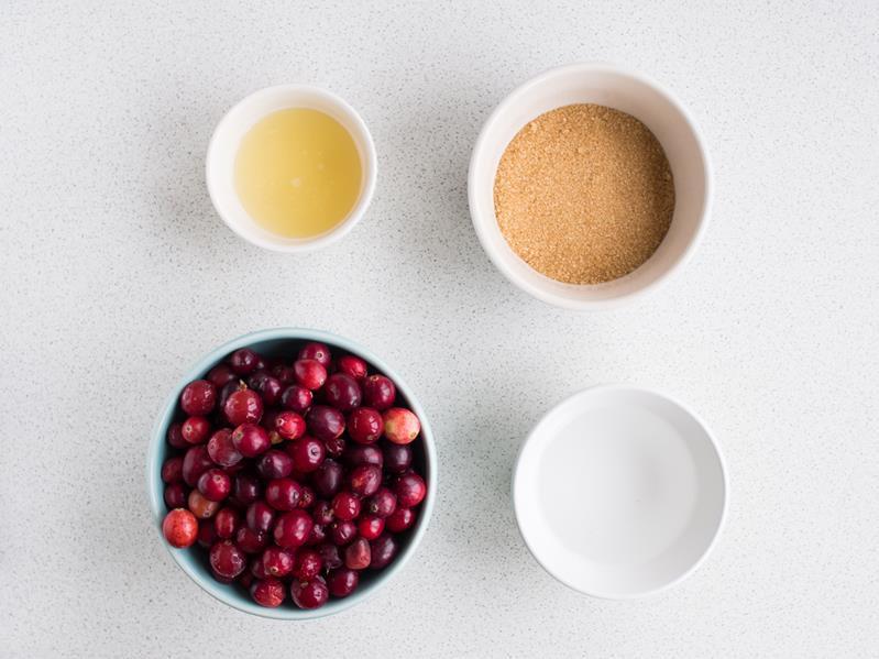 żurawina, brązowy cukier, woda, sok z cytryny