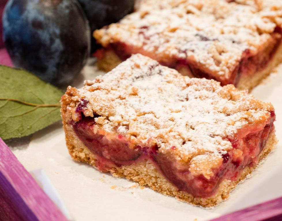 kuche ciasto cynamonowe ze śliwkami