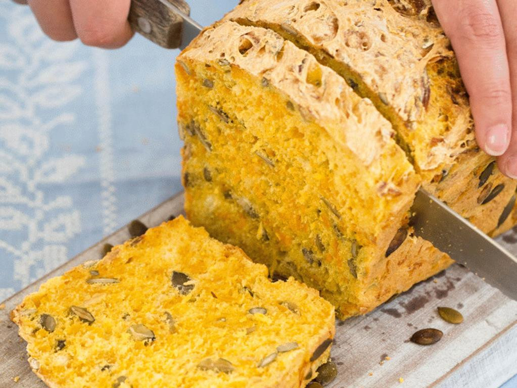 chleb dyniowey z pestkami dyni