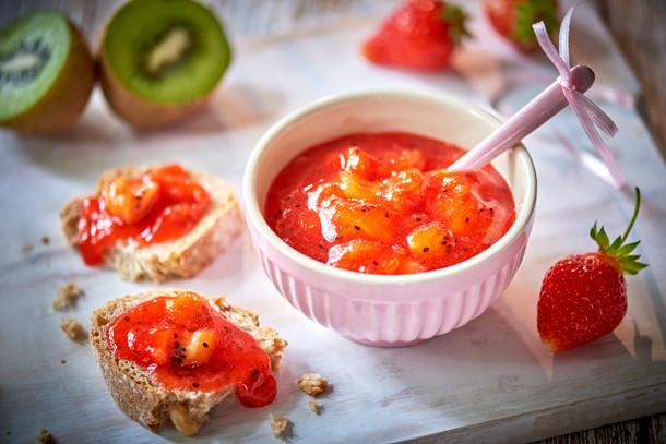 konfitura truskawkowa z kiwi na śniadanie