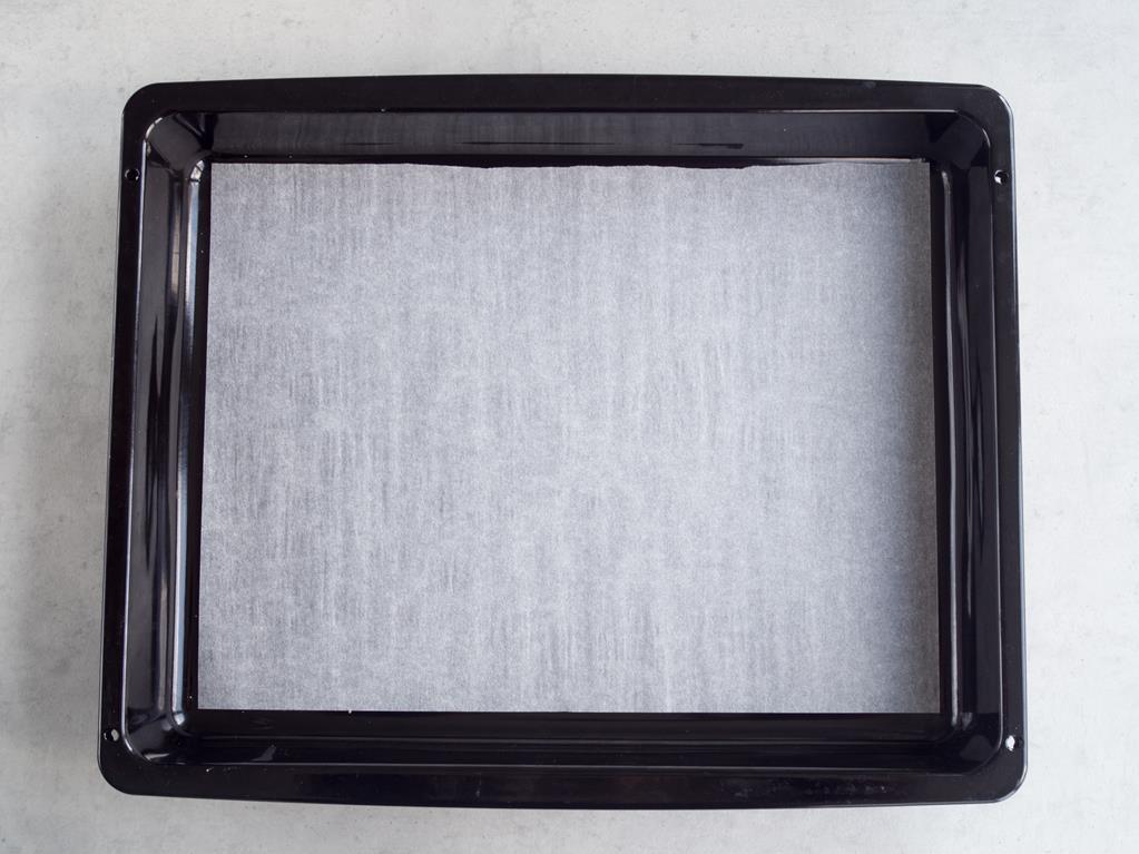 blacha wyłożona papierem do pieczenia