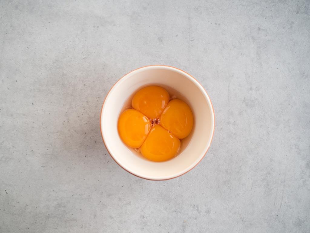żółtka