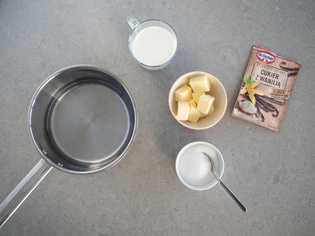woda,mleko,masło,cukier,cukier z wanilią Dr. Oetkera