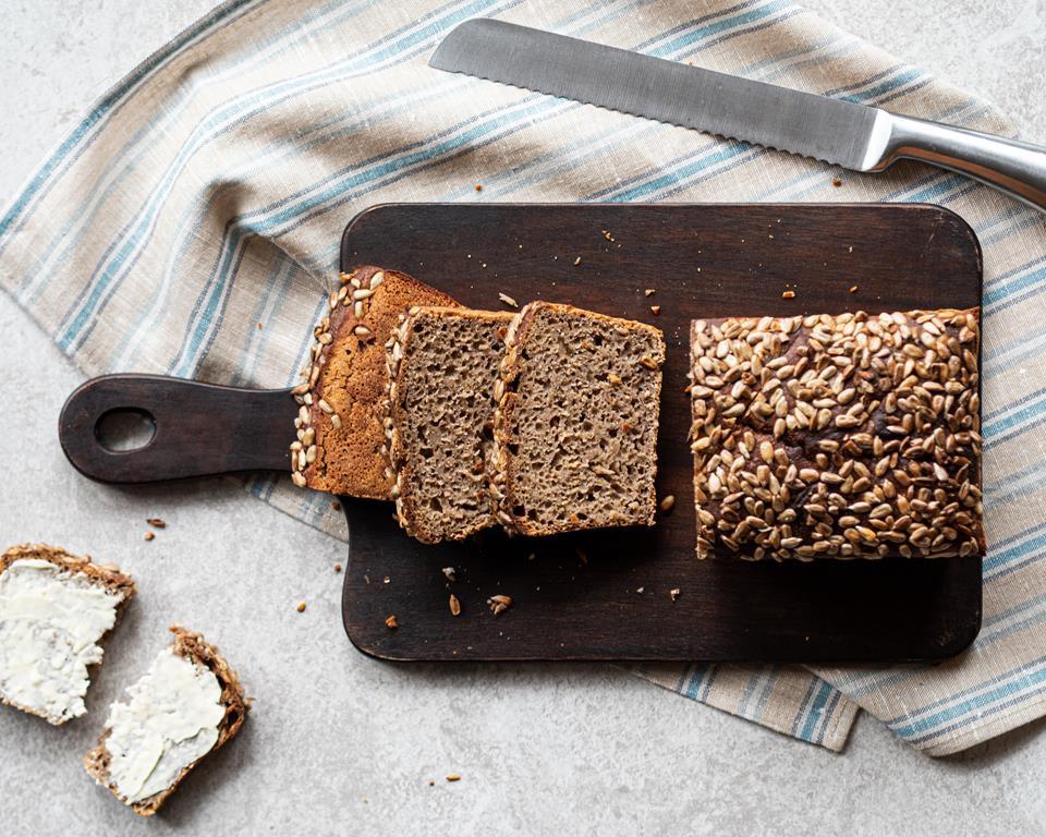 prosty chleb żytni na zakwasie ze slonecznikiem