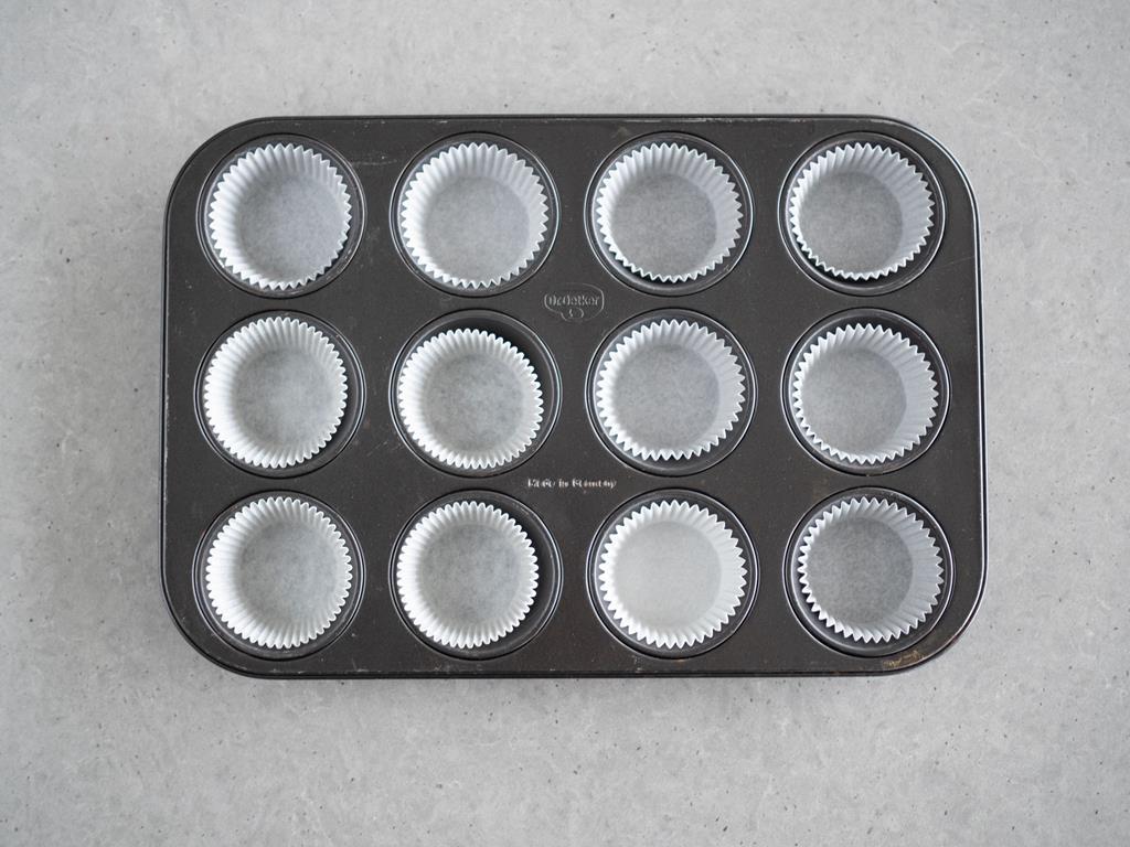 fore,ka na muffinki wyłożona papilotkami