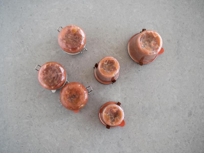słoiczki z dżemem rabarbarowym z imbirem