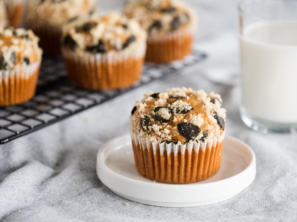 muffinki z batatami, kruszonką waniliową i pestkami dyni na śniadanie