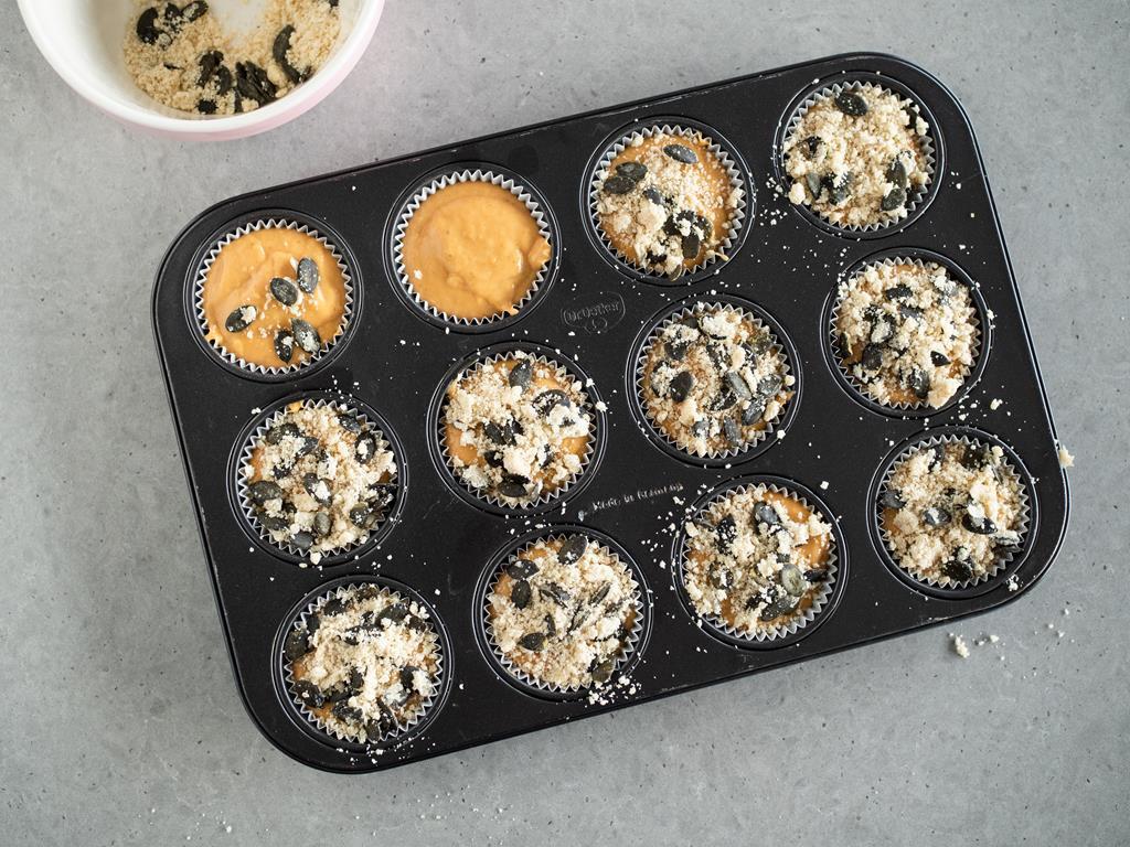 muffinki z batatami posypane kruszonką waniliową
