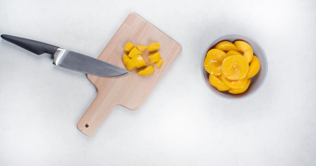 Brzoskwinie w puszki pokrojone w kostkę