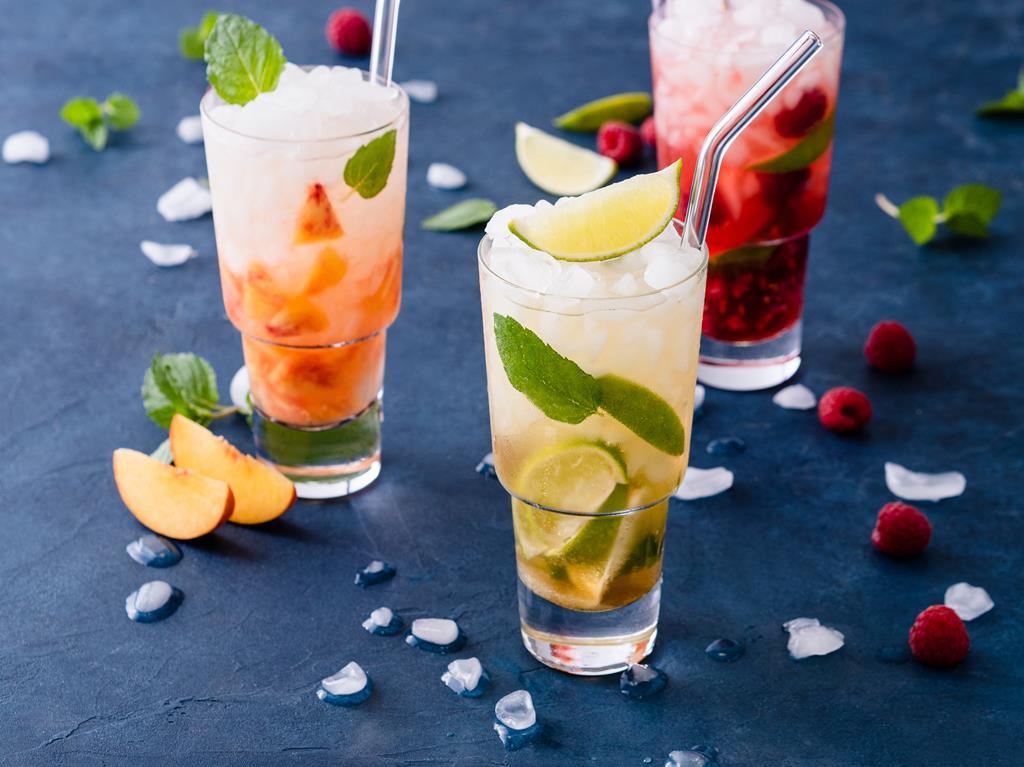virgin mojito z limonką i miętą drink bez alkoholu Wszystkiego Słodkiego