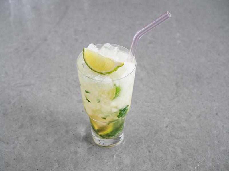 virgin mojito z limonką i miętą