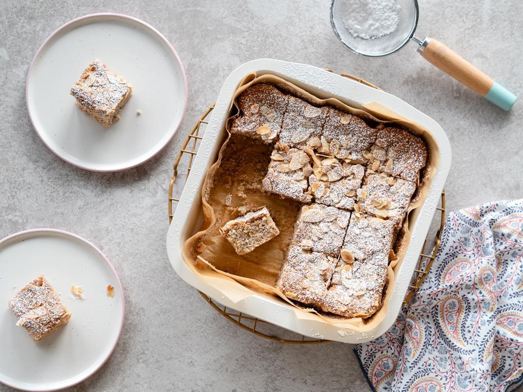 migdałowe ciasto cytrynowe bez glutenu z płatkami migdałów - Wszystkiego Słodkiego