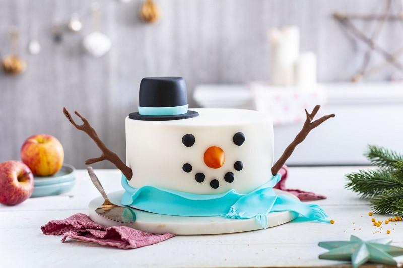 Tort Bałwan świąteczny z masą cukrową - Wszystkiego Słodkiego