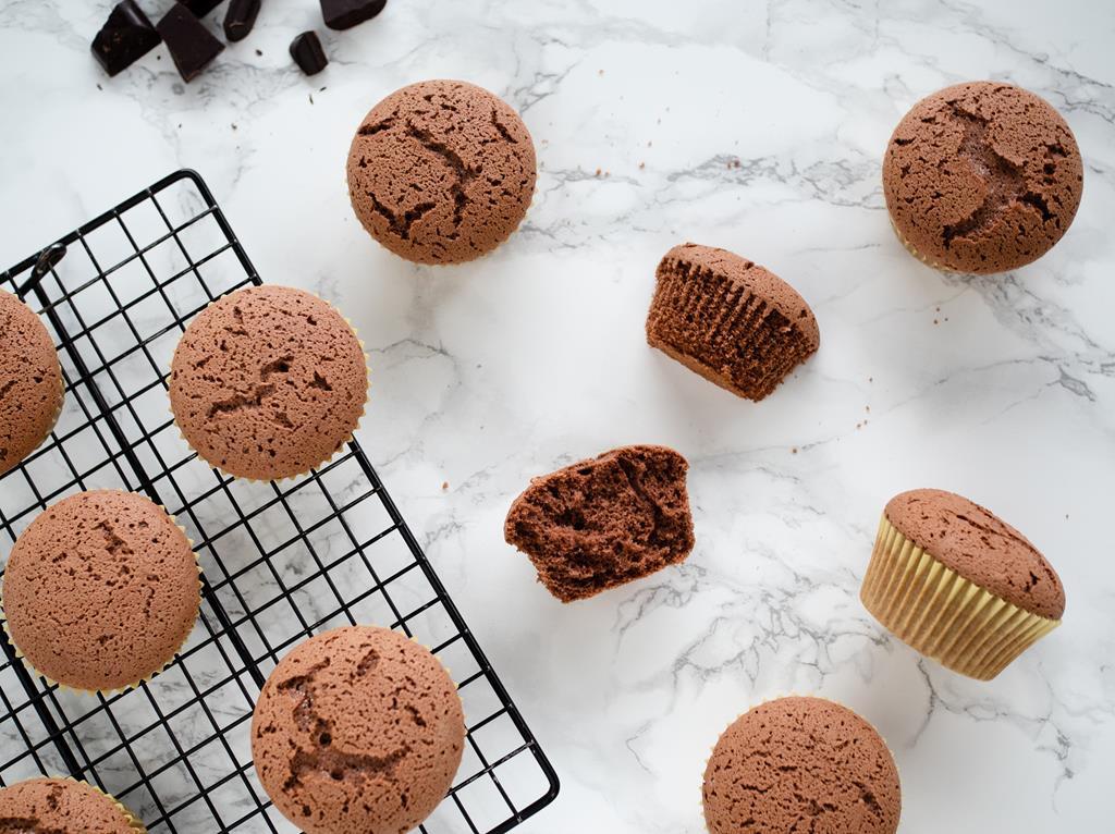 czekoladowe babeczki bez glutenu prosty przepis - Wszystkiego Słodkiego