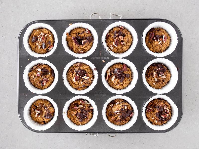 Upieczone muffinki dyniowe.