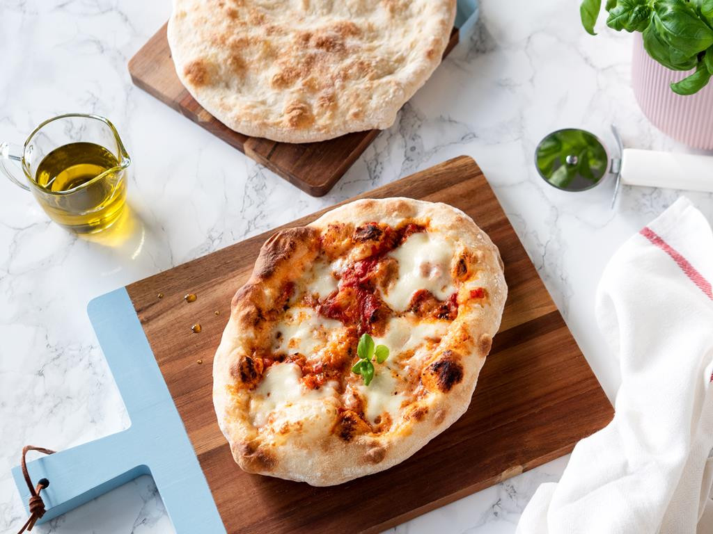 ciasto na pizzę włoską pieczoną w domu - Wszystkiego Słodkiego