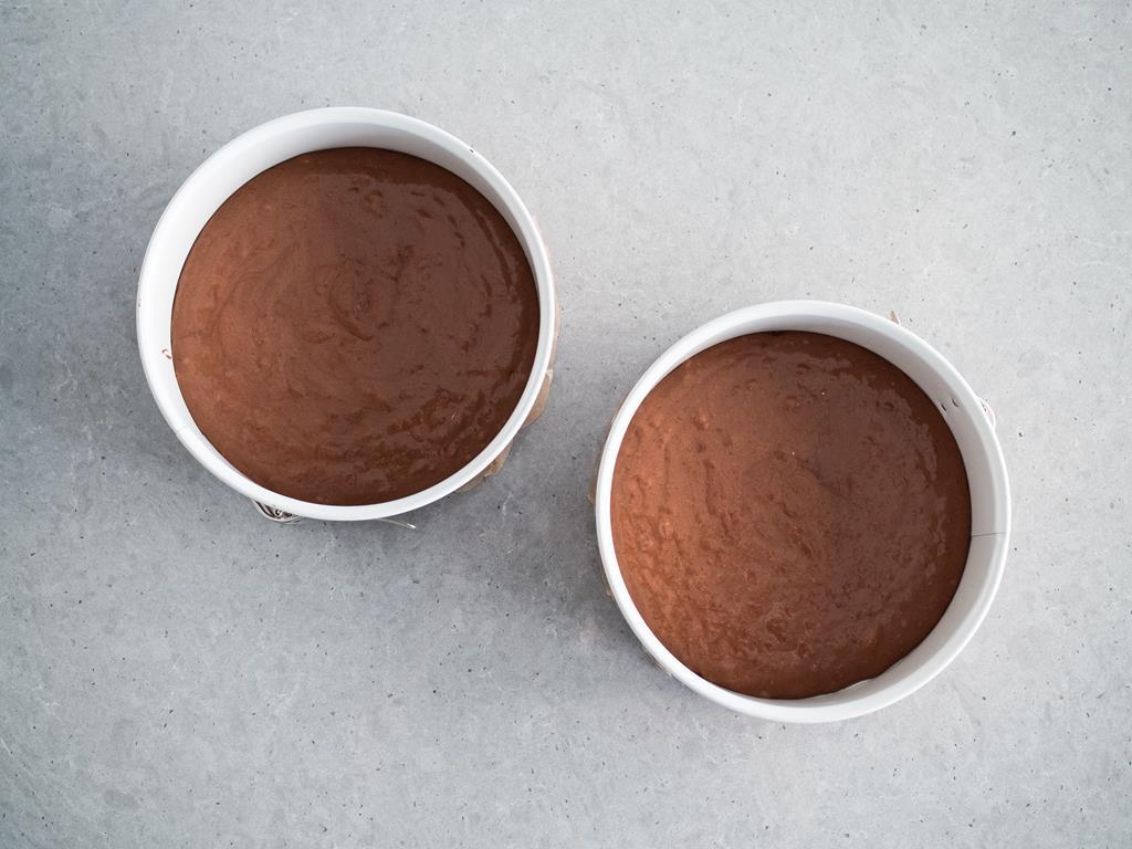masa czekoladowa w tortownicach Retro
