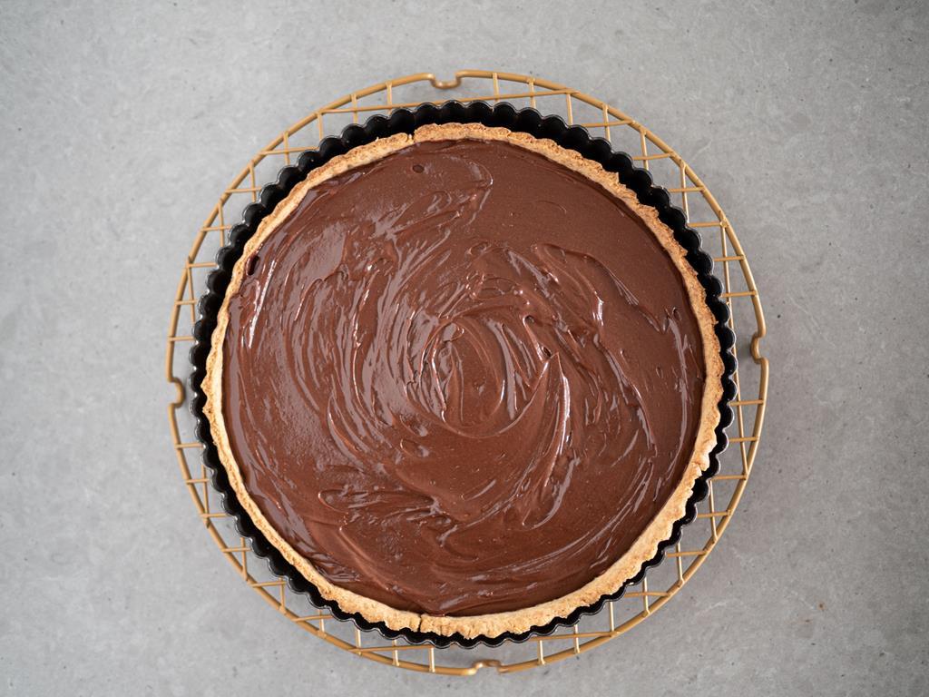 na kratce tarta z czekoladowym nadzieniem