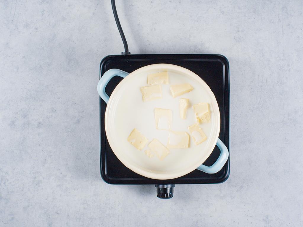 garnuszek z mlekiem i masłem