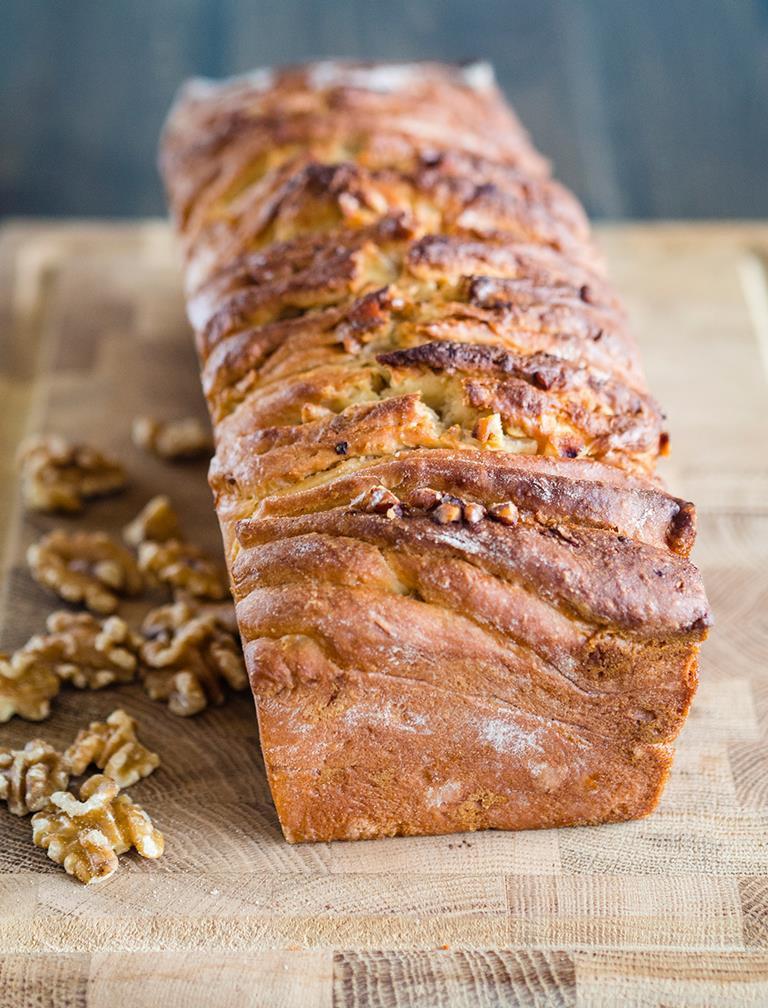 Chlebek odrywany z miodem i orzechami - Wszystkiego Słodkiego