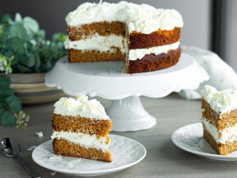 Tort z kremem z białej czekolady