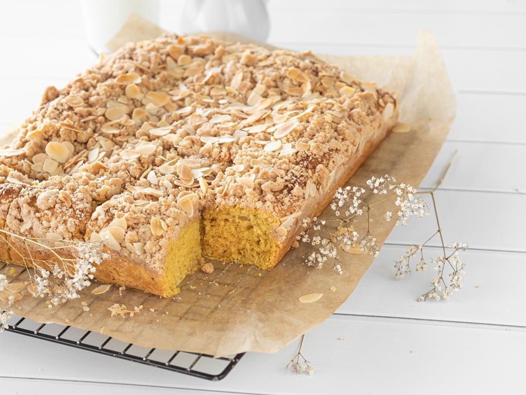 Dyniowe ciasto drożdżowe z karmelową kruszonką - Wszystkiego Słodkiego